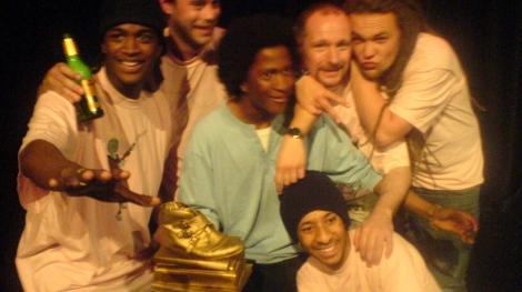 S.T.I.C.S_vinner_deras_första_Svenska_Mästerskap_i_Poetry_Slam._2007_I_bild_S.T.I.C.S_&_Oskar_Hanska_mfl